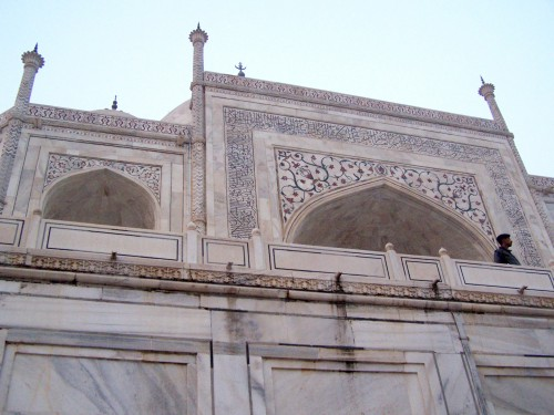 Up close to the Taj Mahal by @themoderngal